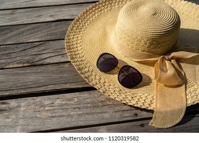 40568f8e59e56 Fedora Hat Next Old Book Flowers Stock Photo (Edit Now) 408303925 ...