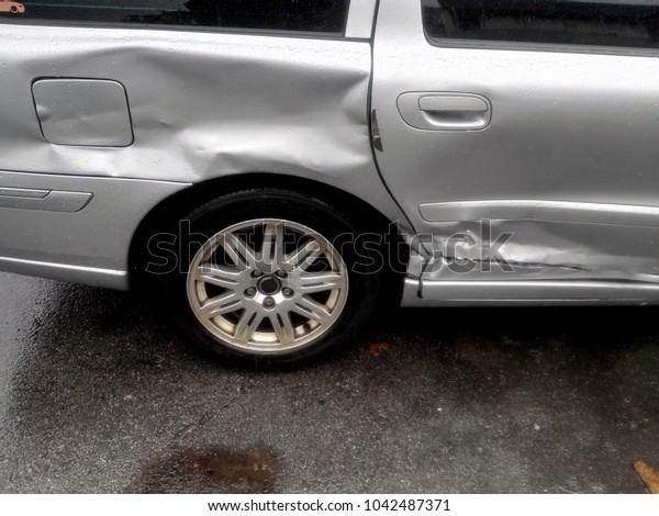 The accident on a wet road