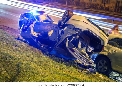 Accident with two white broken cars