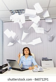 Accountant and falling paper - bad business documents