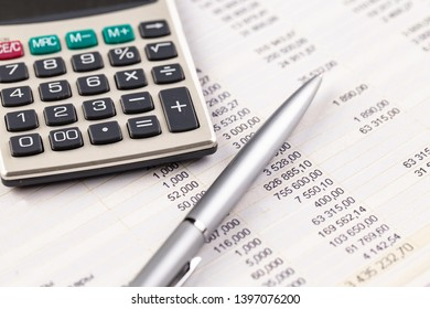 Accounting. Items for doing business in the office in the composition.