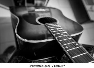 Acoustic guitar body