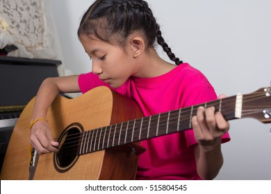 Acoustic guitar playing,music lessons,starting guitar