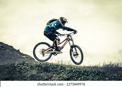 acrobatic jump with mtb
