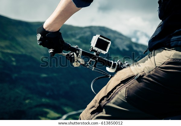auf Mountainbike montierte Aktionskamera