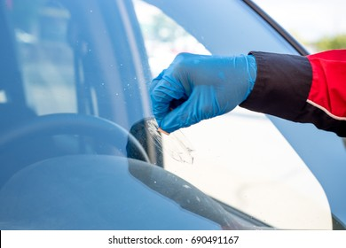 The active roles in windshield repair