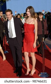 Actor ALESSANDRO NIVOLA & girlfriend British actress EMILY MORTIMER at the world premiere, in Los Angeles, of his new movie Jurassic Park III. 16JUL2001.   Paul Smith/Featureflash