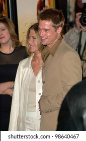 Actor BRAD PITT & actress wife JENNIFER ANISTON at the Los Angeles premiere of his new movie The Mexican. 23FEB2001.    Paul Smith/Featureflash