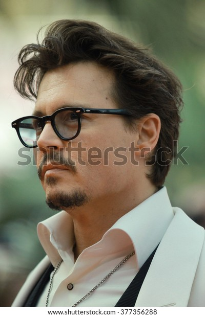 7b8b44df4 Actor Johnny Depp attends the 'Pirates of the Caribbean: On Stranger Tides'  Premiere