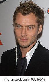 Actor JUDE LAW at the Los Angeles premiere of his new movie Cold Mountain. December 7, 2003  Paul Smith / Featureflash