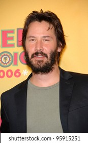 Actor KEANU REEVES at the 2006 Teen Choice Awards at Universal City, Hollywood 20AUG2006  Los Angeles, CA  2006 Paul Smith / Featureflash