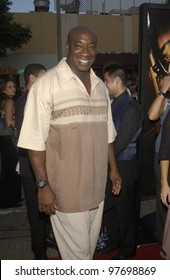 Actor MICHAEL CLARK DUNCAN at the world premiere, in Los Angeles, of S.W.A.T. July 30, 2003  Paul Smith / Featureflash