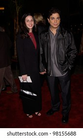 Actor MICHAEL DELORENZO & girlfriend at the Los Angeles premiere of Ali. 12DEC2001.    Paul Smith/Featureflash