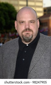 Actor PRUITT TAYLOR VINCE at the Los Angeles premiere of his new movie Simone. 13AUG2002.   Paul Smith / Featureflash