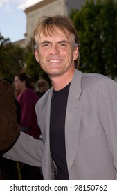 Actor ROB PAULSEN at the world premiere, in Hollywood, of his new movie Jimmy Neutron: Boy Genius. 09DEC2001.    Paul Smith/Featureflash