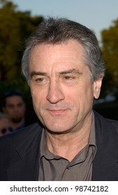 Actor ROBERT DE NIRO at the Los Angeles premiere of his new movie The Score, at Paramount Studios, Hollywood. 09JUL2001.  Paul Smith/Featureflash