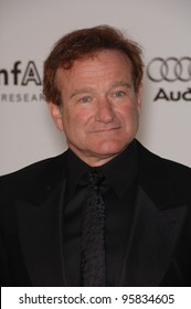 Actor ROBIN WILLIAMS at amfAR's Cinema Against AIDS gala at the Moulin de Mougins restaurant in Cannes. May 25, 2006  Cannes, France.  2006 Paul Smith / Featureflash