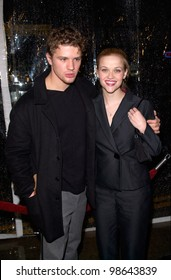 Actor RYAN PHILLIPPE & actress wife REESE WITHERSPOON at the world premiere, in Los Angeles, of his new movie Antitrust. 10JAN2001.   Paul Smith/Featureflash