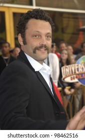Actor VINCE VAUGHN at the world premiere of 2 Fast 2 Furious at the Universal Amphitheatre, Hollywood. June 3, 2003
