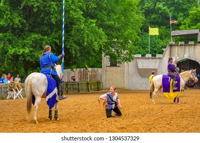 Actors in period costumes giving a jousting demonstration.Scarborough Renaissance FestivalWaxahatchie, Texas27 May 2017