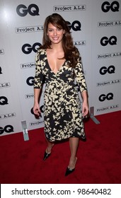 Actress ALEX MENESES at the second annual GQ Magazine Hollywood Issue party. 15FEB2001.   Paul Smith/Featureflash