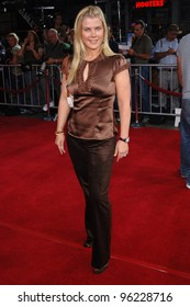 Actress ALISON SWEENEY at the Los Angeles premiere of Just Like Heaven at the Grauman's Chinese Theatre, Hollywood. September 8, 2005  Los Angeles, CA  2005 Paul Smith / Featureflash