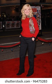 Actress BONNIE HUNT at the world premiere, in Los Angeles, of her new movie Cheaper By The Dozen 2. December 13, 2005 Los Angeles, CA.  2005 Paul Smith / Featureflash