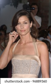 Actress BRIDGET MOYNAHAN at the world premiere, in Los Angeles, of her new movie I, Robot. July 7, 2004