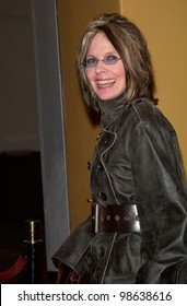 Actress DIANE KEATON at the world premiere, in Los Angeles, of What Women Want. 13DEC2000.   Paul Smith / Featureflash