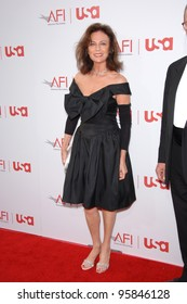 Actress JACQUELINE BISSET at the 34th AFI Life Achievement Award Gala in Hollywood. June 8, 2006  Los Angeles, CA  2006 Paul Smith / Featureflash
