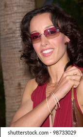 Actress JENNIFER BEALS at the Los Angeles premiere of her new movie The Anniversary Party. 06JUN2001.  Paul Smith/Featureflash