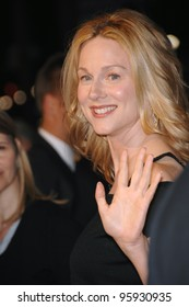 """Actress LAURA LINNEY at the world premiere of her new movie """"Man of the Year"""" at the Grauman's Chinese Theatre, Hollywood. October 4, 2006  Los Angeles, CA Picture: Paul Smith / Featureflash"""