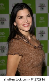 Actress LAUREN SANCHEZ at the 12th Annual Environmental Media Awards in Los Angeles.  20NOV2002.   Paul Smith / Featureflash