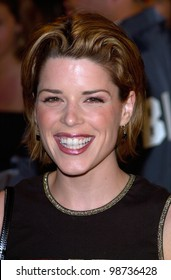 Actress NEVE CAMPBELL at the Hollywood premiere of Blow. 29MAR2001.  Paul Smith/Featureflash