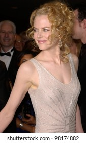 Actress NICOLE KIDMAN at the 54th Annual Directors Guild Awards in Beverly Hills. 09MAR2002.  Paul Smith / Featureflash