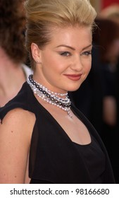Actress PORTIA DE ROSSI at the 59th Annual Golden Globe Awards in Beverly Hills. 20JAN2002  Paul Smith/Featureflash