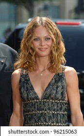 Actress VANESSA PARADIS at the world premiere, in Hollywood, of her husband Johnny Depp's new movie Charlie and the Chocolate Factory. July 10, 2005 Los Angeles, CA  2005 Paul Smith / Featureflash