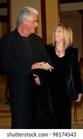 Actress/director/singer BARBRA STREISAND & husband actor JAMES BROLIN at the 54th Annual Directors Guild Awards in Beverly Hills. 09MAR2002.  Paul Smith / Featureflash