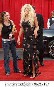 """Actress/model ANNA NICOLE SMITH at """"Comedy Central's Roast of Pamela Anderson"""" at Sony Studios, Culver City. August 7, 2005 Culver City, CA  2005 Paul Smith / Featureflash"""