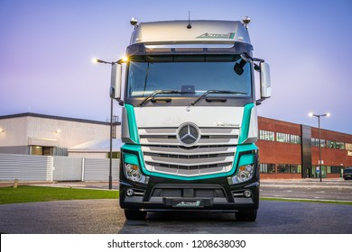 Actros truck on display at Mercedes-Benz head office:Milton Keynes,October 2018