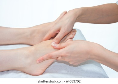 acupressure foot massage