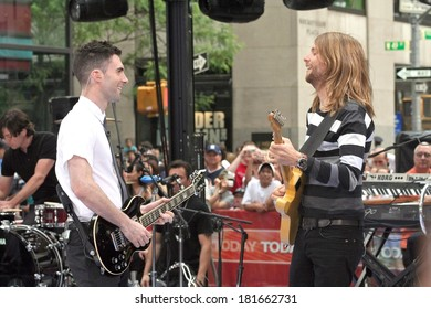 Adam Levine, James Valentine on stage for NBC Today Show Concert with Maroon 5, Rockefeller Center, New York, NY, May 28, 2007