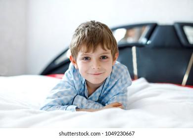 Cute Boy Learning How Put Cloth Stockfoto Jetzt Bearbeiten