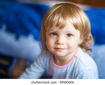 Adorable little girl - shallow DOF, focus on eyes
