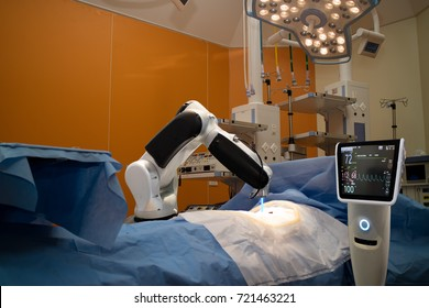 advanced robotic surgery machine at Hospital,some of major advantages of robotic surgery are precision, miniaturisation, smaller incisions, decreased blood loss, less pain, and quicker healing time