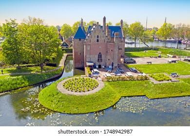 Luftaufnahmen vom Schloss Radboud in Medemblik Niederlande