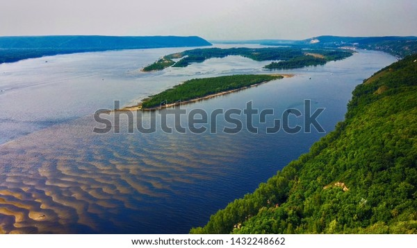 aerial-landscape-view-on-volga-600w-1432