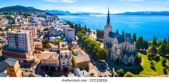 Luftbild der Stadt Bariloche, Argentinien