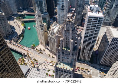 Aerial photo of Chicago and river