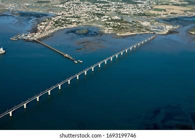 Photographie aérienne du pont de l'île d'oléron, Château-d'Oléron, département Charente-Maritime, région Poitou-Charentes, France